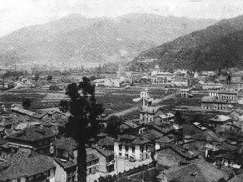 Inmobiliaria Goncasa - Panorámica de Mieres desde la Villa, hacia 1910 - Inmobiliaria Goncasa